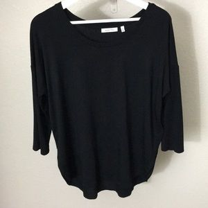 Aritzia Babaton 3/4 sleeve shirt in black size M